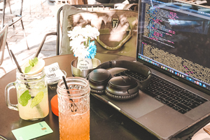 Coffeshop for Digital Nomad In athens